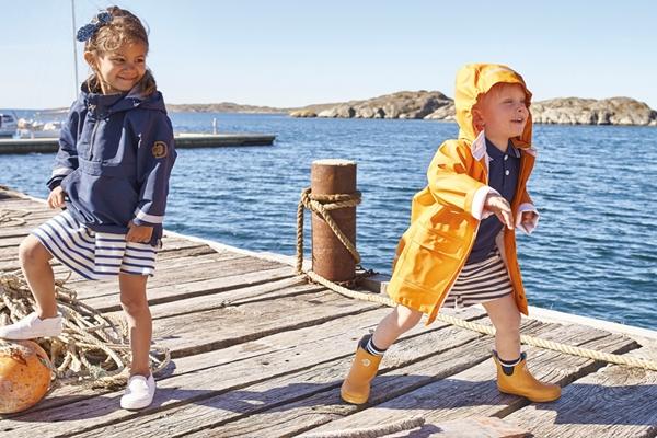 På jakt efter riktigt bra barnkläder  Då har du kommit helt rätt! Här på  SMILE. kan du i lugn och ro köpa barnkläder online ur vårt stora sortiment  av ... c1aa560b08a84